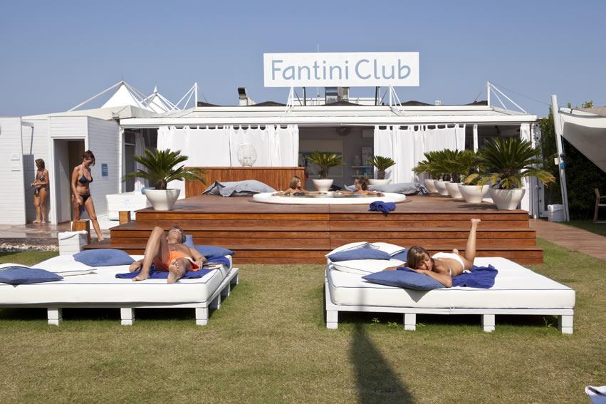 AspassoconBlue: Chi dice riviera, dice Fantini Club