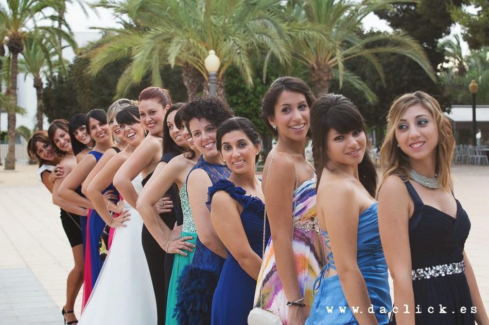 todo chicas, la novia con sus amigas
