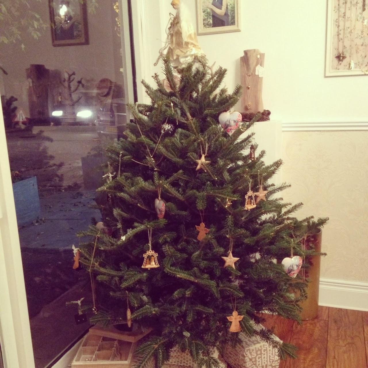 Mr and mrs christmas tree decoration - Xmas Tree Jpg