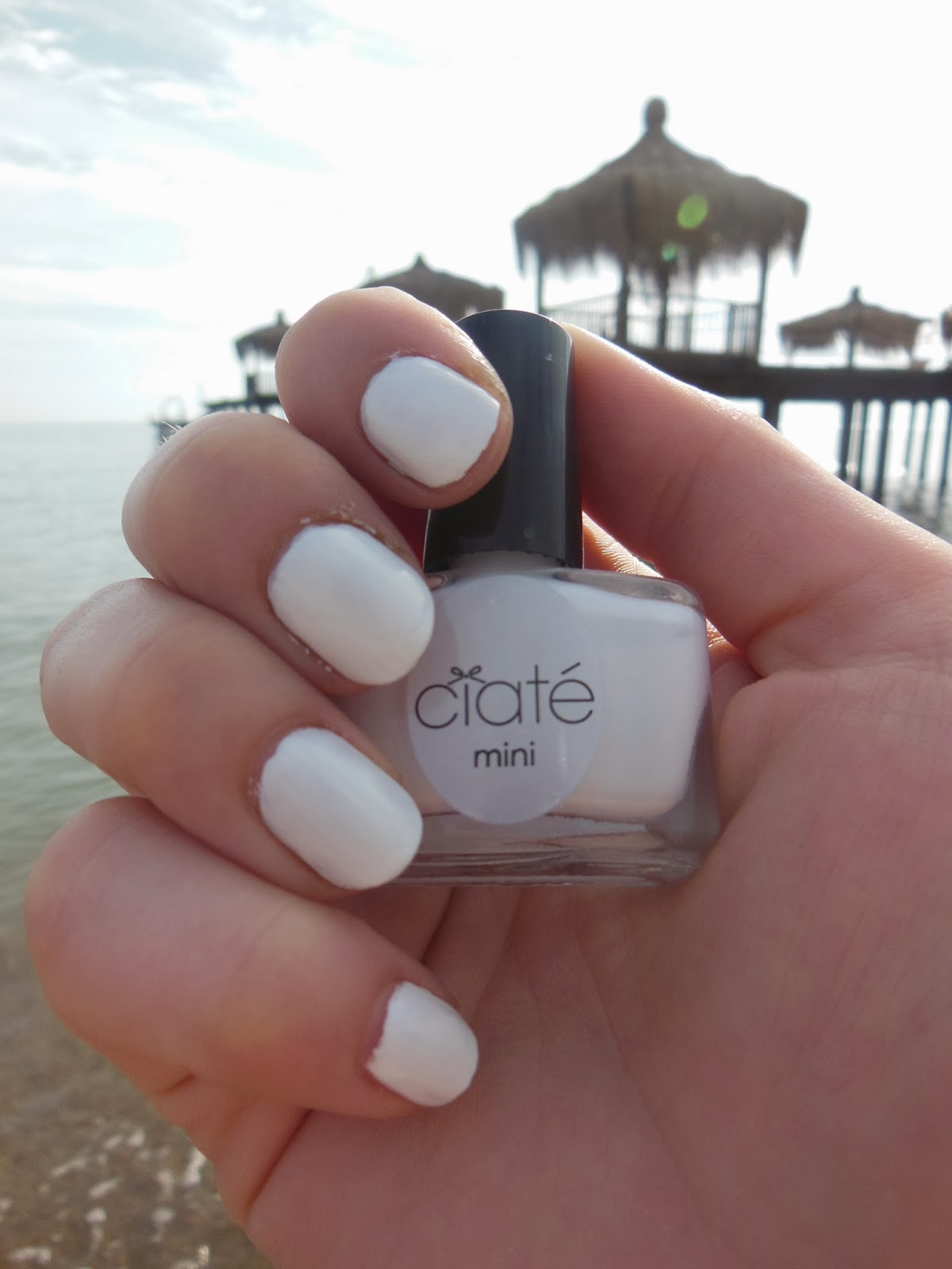 Dazzling Nails at the Beach | The Fashion Freak Diary