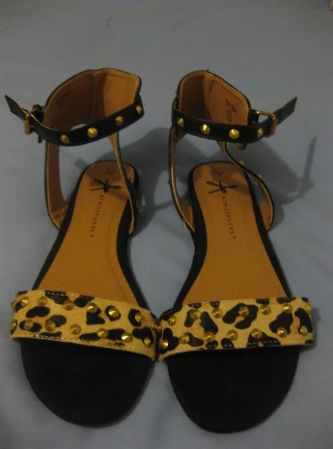 sandalias planas leopardo zara