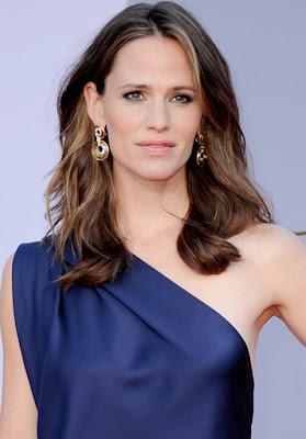 Jennifer Garner Gold Hoop Earrings