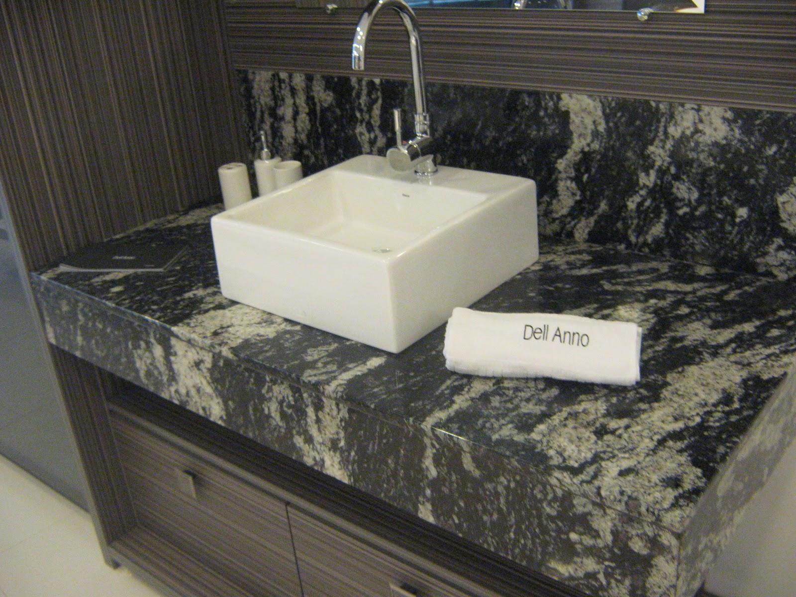 Pias de banheiro Granito Preto Indiano Marmoraria MPK #777354 1600 1200
