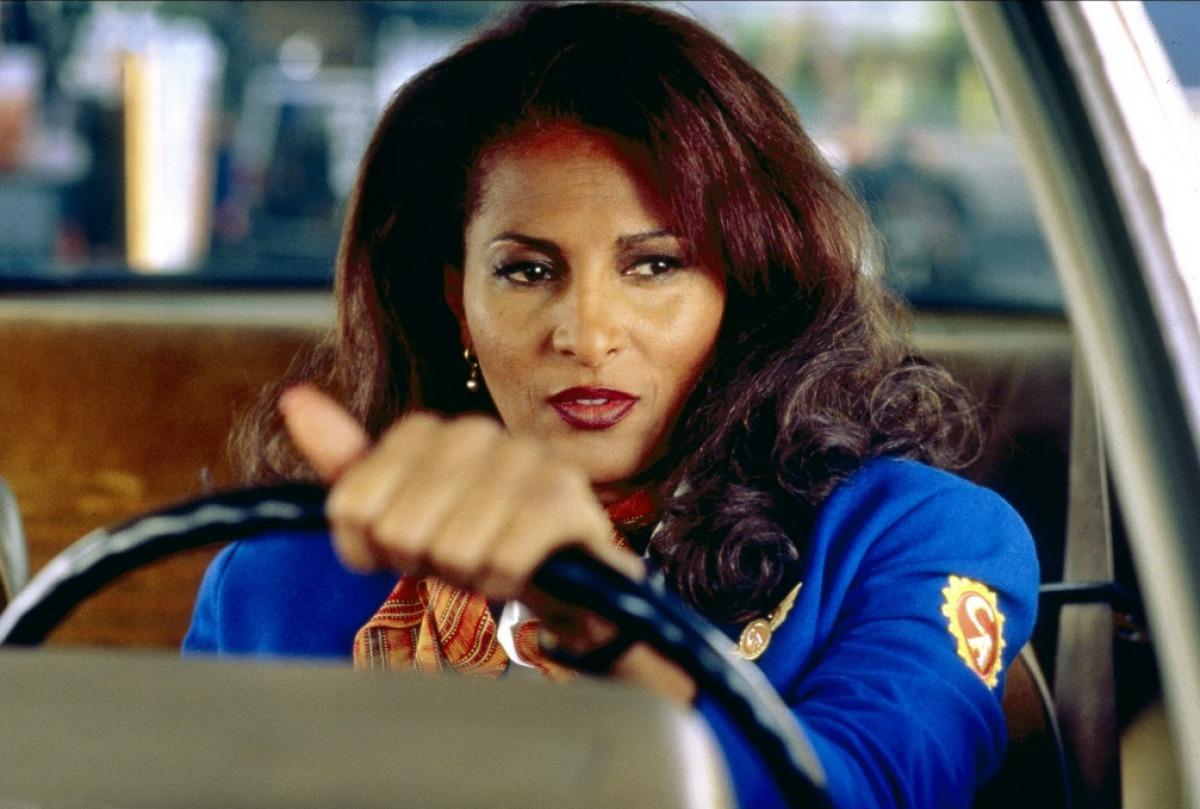 http://1.bp.blogspot.com/-iWHawRHzVOk/UKvNVN9780I/AAAAAAAAPBw/asryIIvqL84/s1600/jackie-brown-1997-01-g.jpg