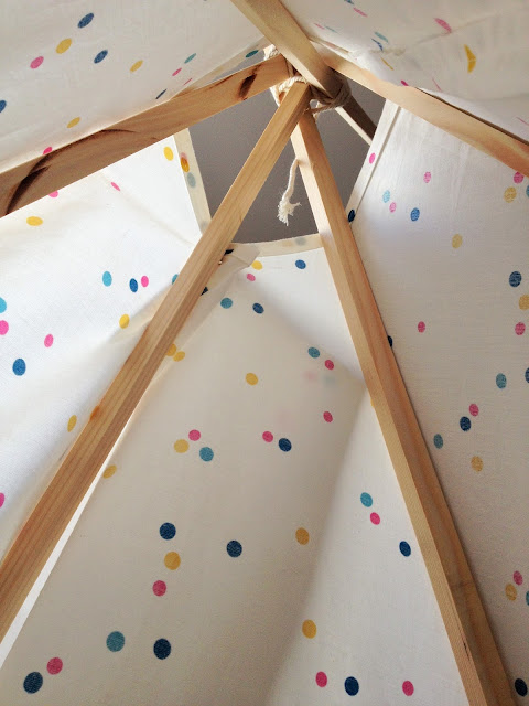 globeshoppeuse diy mon tipi pour enfant home made. Black Bedroom Furniture Sets. Home Design Ideas