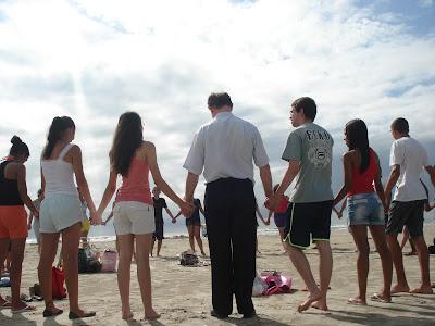 Jovens realizam experiência missionária em Iguape/SP
