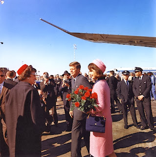 http://www.jfklibrary.org/JFK/JFK-in-History/November-22-1963-Death-of-the-President.aspx#.Uo9gXnzQxN0.facebook