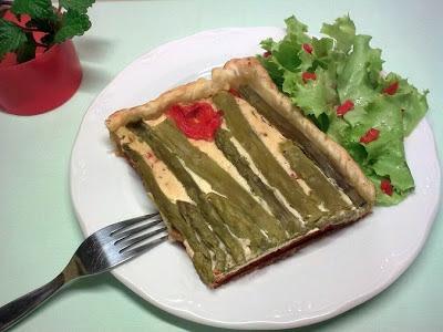 Pastel Vegano de Espárragos , Queso y Pimiento