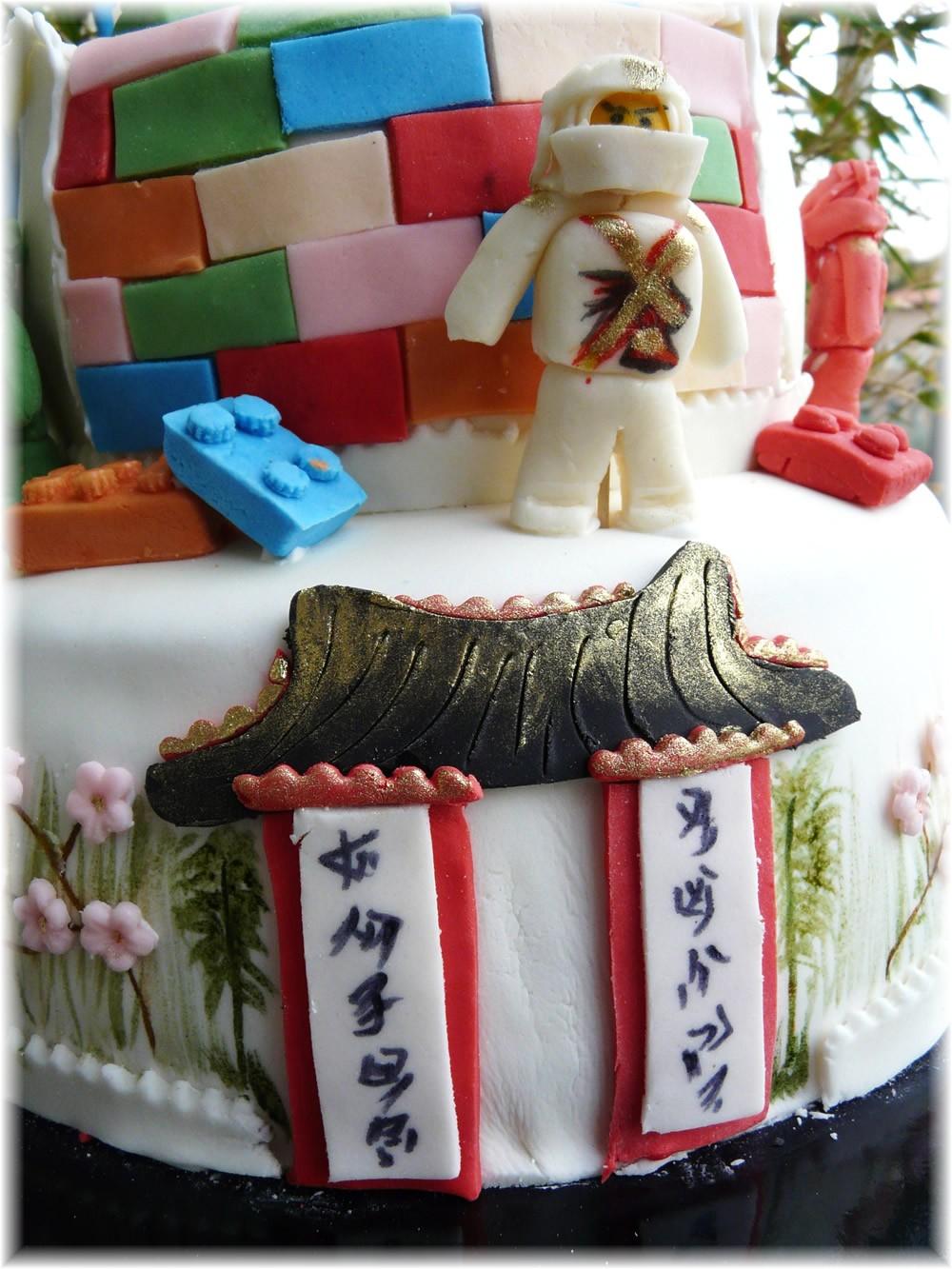 Torte in festa ninjago for Decorazioni torte ninjago