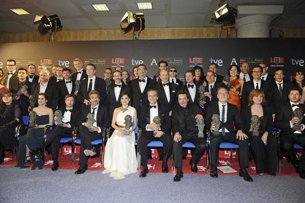 Foto de familia de los premiados en la edición 26 de los Goya