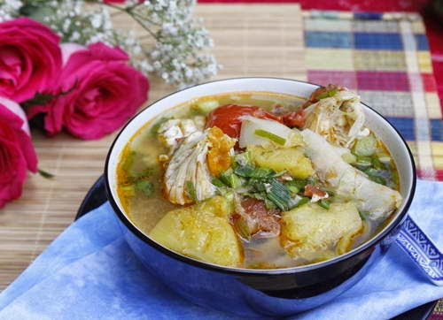 Sour Bamboo Shoot with Crab Meat - Canh Ghẹ Nấu Măng Chua