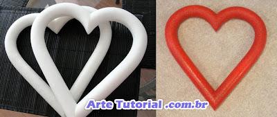 Estrutura de isopor em forma de coração