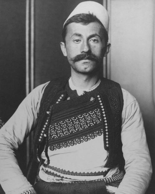 Pas 100 vitesh zbulohet foto e ushtarit shqiptarë në SHBA