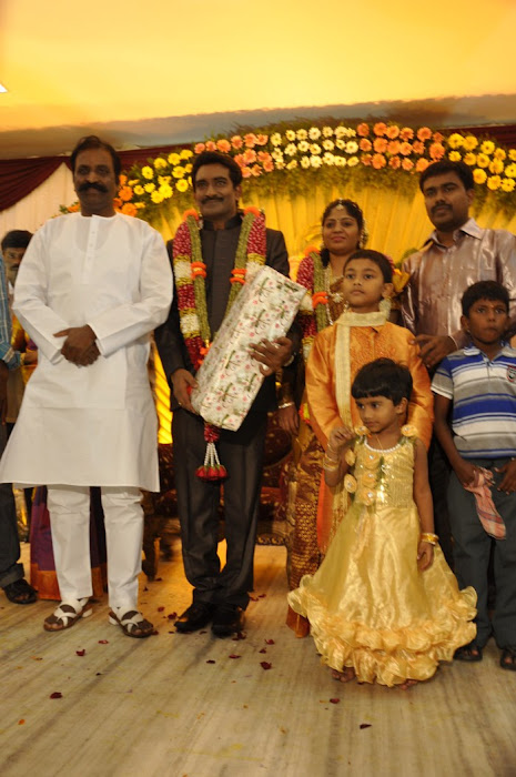 Director SP Hosimin Wedding Reception Pics show stills