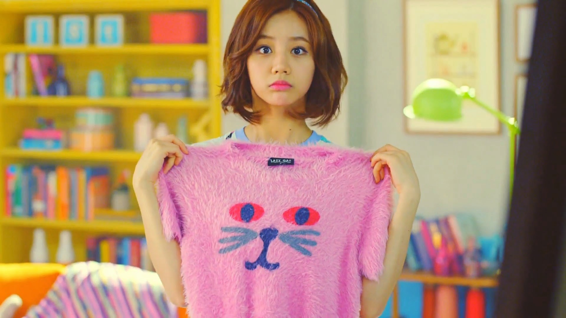 Girl's Day Hyeri in Hello Bubble MV