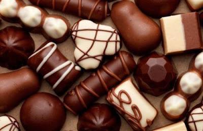 الشيكولاتة تزيد الرومانسية  - الشوكولاته الداكنه الغامقة السوداء dark chocolate