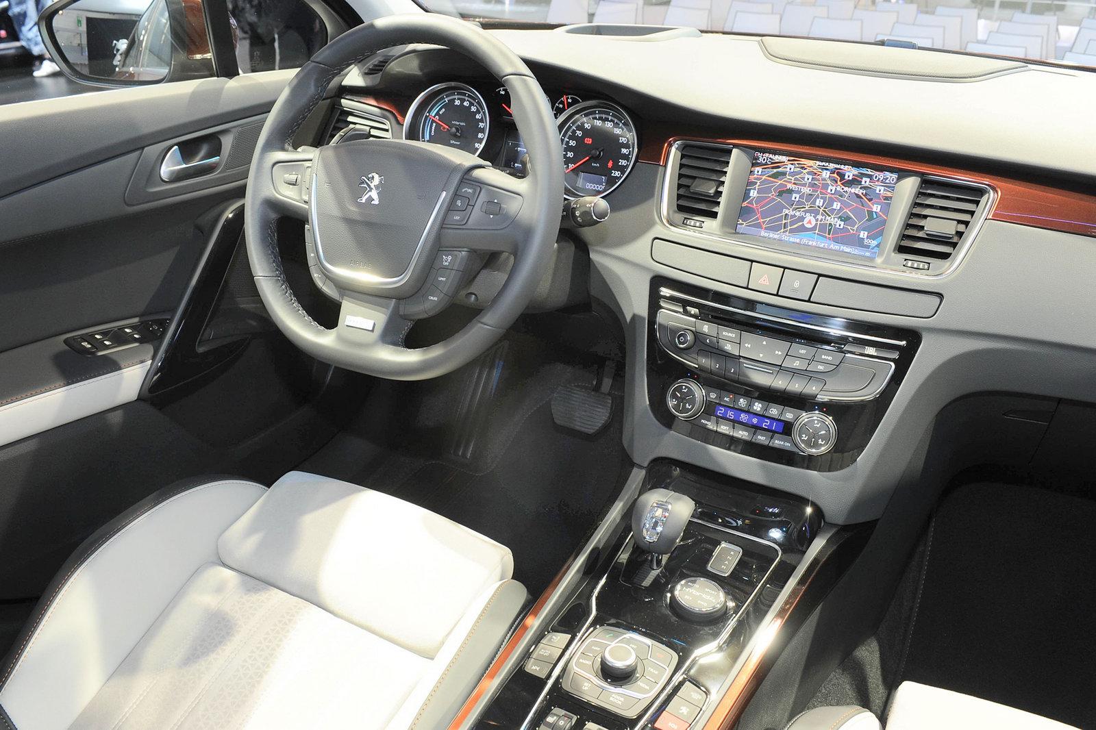 Peugeot 508 rxh autosmr for Interieur 508 rxh