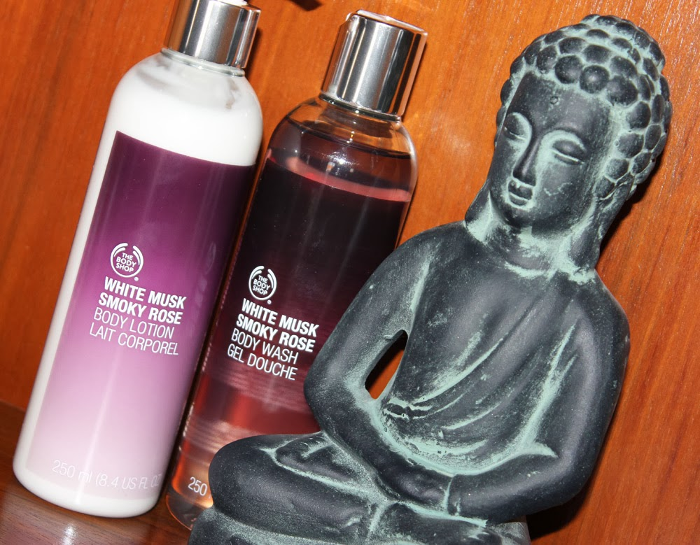 Body Wash Gel Douche e o Body Lotion Lait Corporel, White Musk Smoky Rose by The Body Shop
