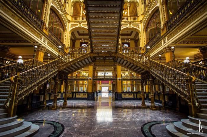 Hotel villa de madrid conoce palacio de correos en cdmx for Oficina central de correos madrid