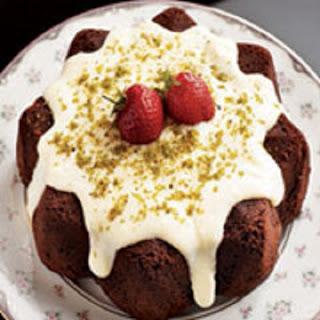beyaz-cikolata-soslu-kek
