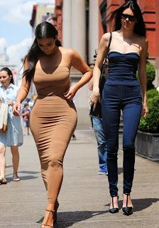 Kim Kardashian and Kendall Jenner 1.jpg