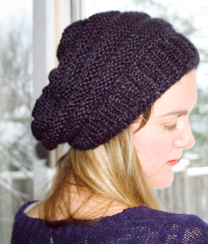 Slouch Hat Knitting Pattern : Prints & Needles: Slouchy Knit Beret >> Free Knitting Pattern