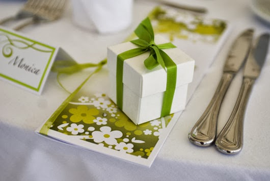 green wedding reception favor ideas