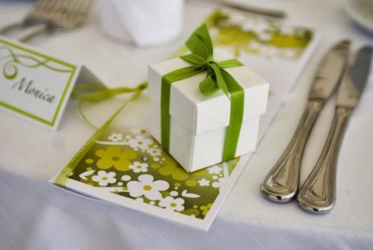 green wedding reception favor ideas