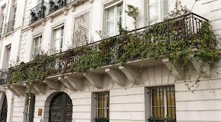 Balcon du 18-20 quai d'Orléans à Paris