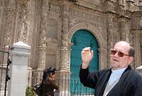El obispo de Cajamarca, José Carmelo Martínez Lázaro, advierte deterioro de la iglesia catedral Santa Catalina, producto de las lluvias. Foto: ANDINA/Eduard Lozano.