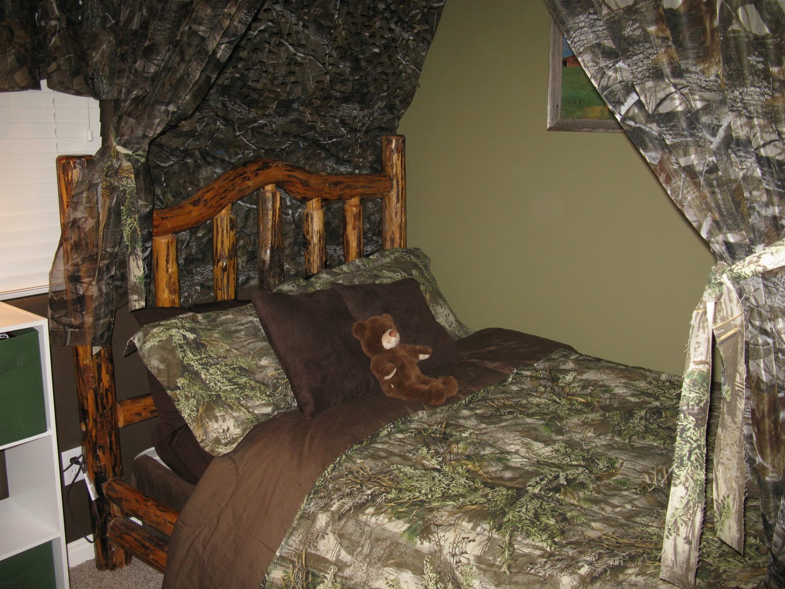 Close up of the awesome camo bedding The Funky Letter Boutique  How to decorate a boys room in a  . Mossy Oak Bedroom Accessories. Home Design Ideas
