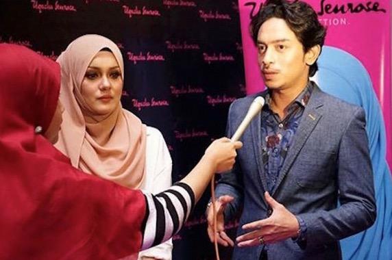 Uqasha Senrose Bermesra Dengan Iqram Dinzly Dalam Kapal Terbang
