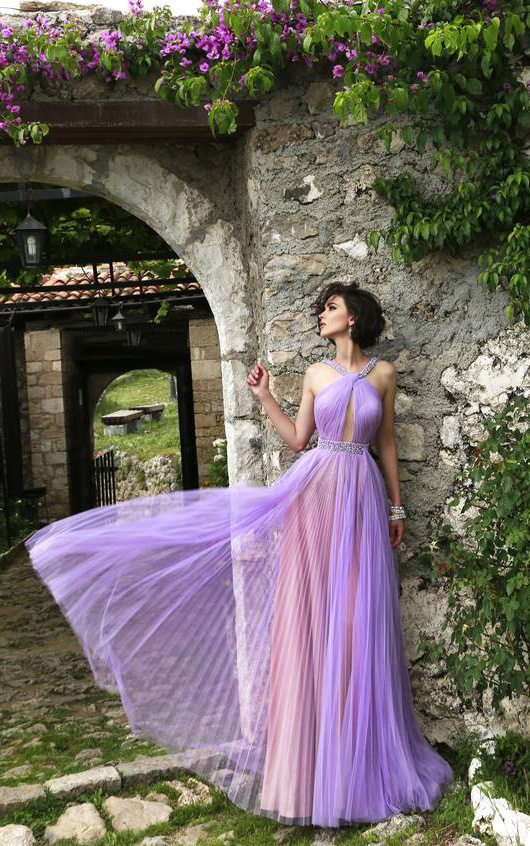 http://www.rosanovias.com.au/irridescent-sleeveless-aline-chiffon-prom-dresses-p-4826.html