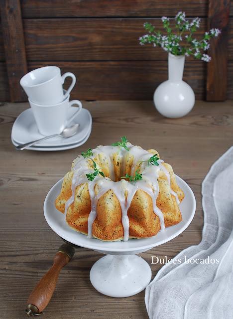 Bundt cake de limón, tomillo y semillas de amapola - Dulces bocados