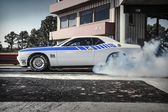 Dodge Unleashes A Hemi-Powered Challenger Drag Pack To The Masses