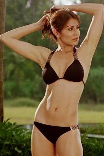 Anushka Sharma in Bikini