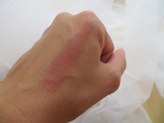 rimmel, lipstick, 250, birthday, swatch, blogger, review, pretty, lasting