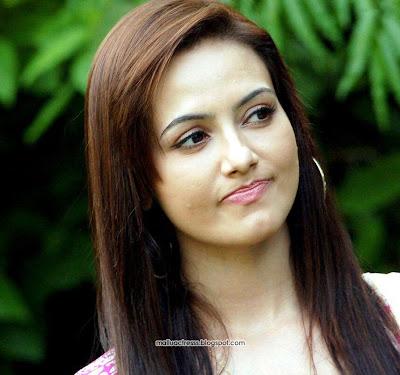 Cleavage Beautyful Sana Khan cute photoshoot pics,stills Showing