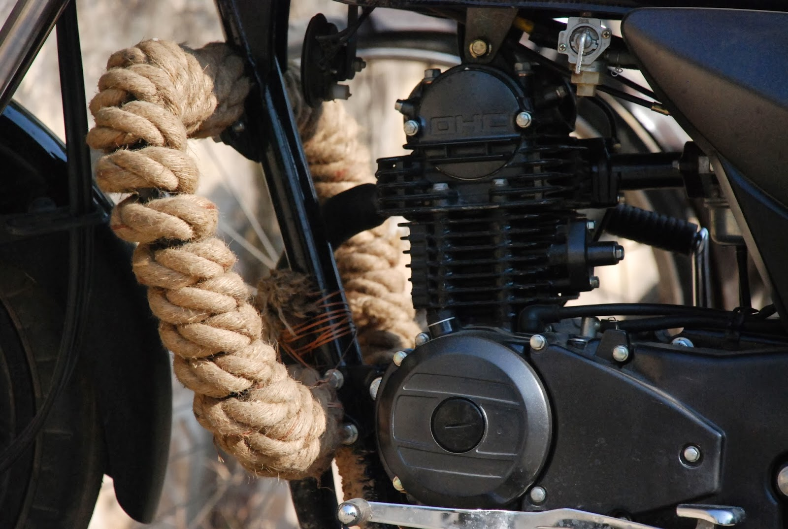 http://freelancethink.blogspot.com/2013/11/5-cheap-ways-to-protect-your-motorcycle.html
