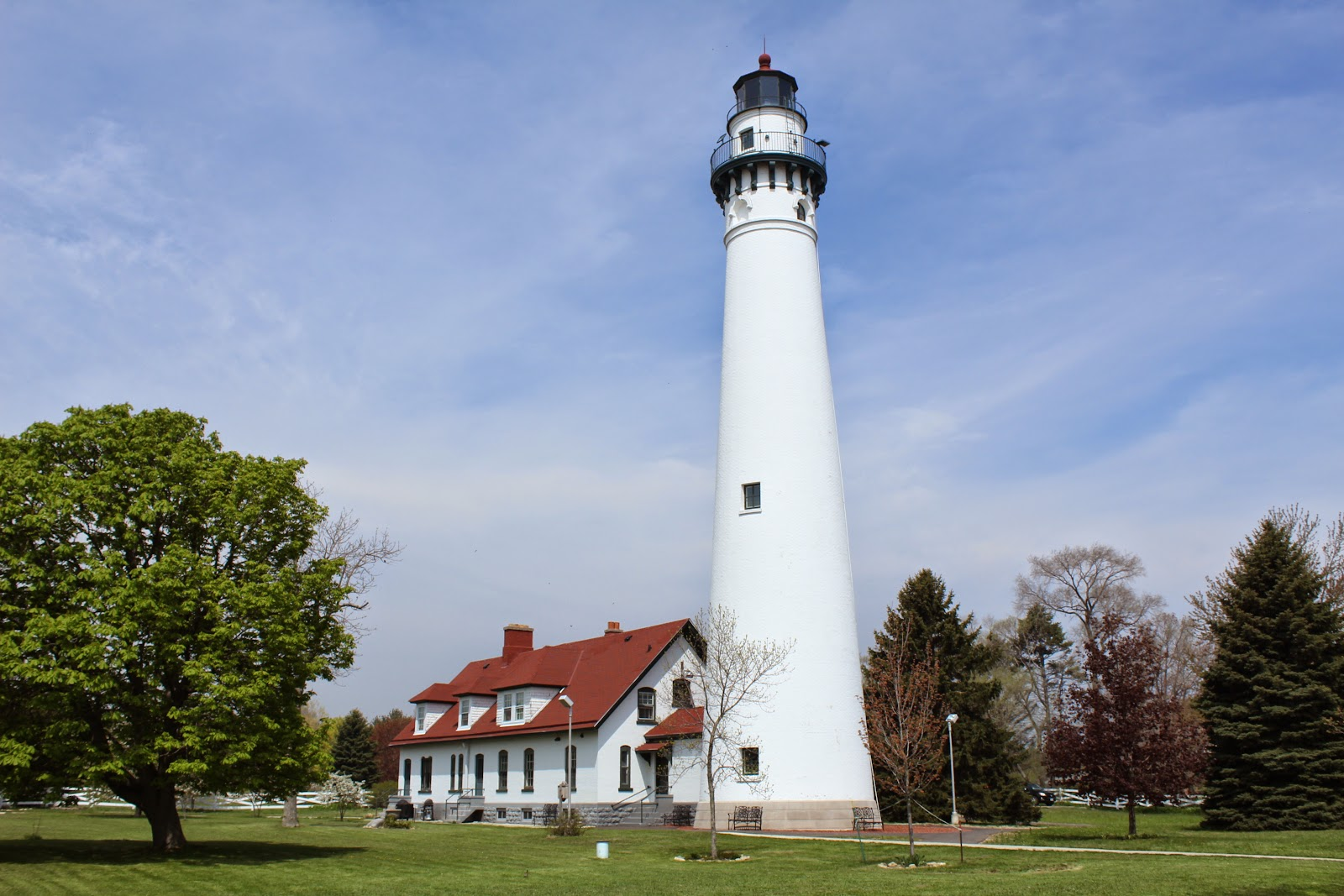 Lighthouses of Wisconsin & Wisconsin Historical Markers: Lighthouses of Wisconsin