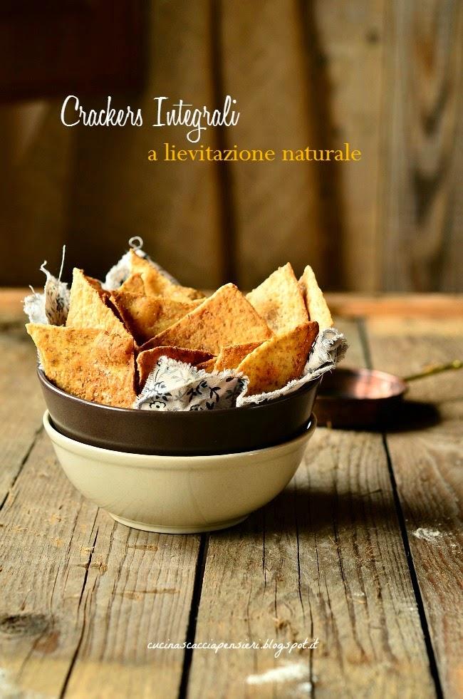 crackers integrali a lievitazione naturale