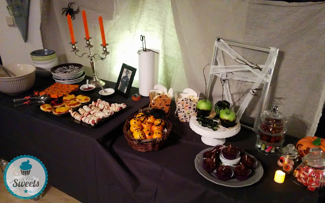 Sweet Table, Halloween, Buffet, Halloweenbuffet, Halloweensnacks, Snacks, Halloweenparty, Halloweendeko