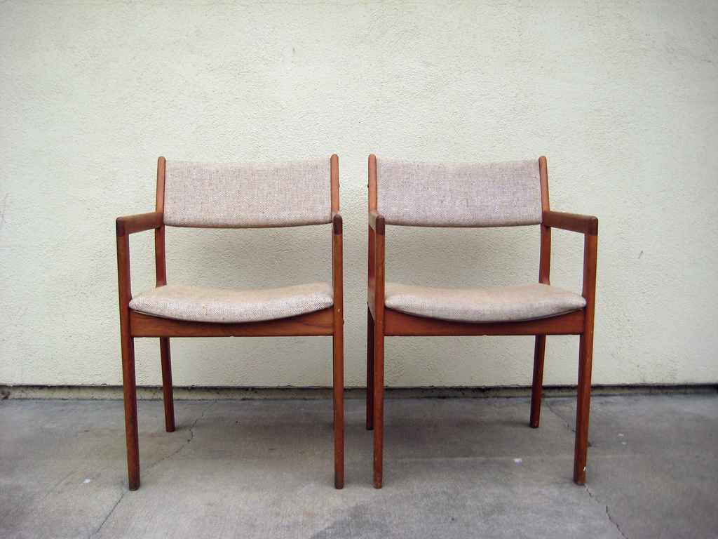 Mid century modern furniture for Mid century modern seating