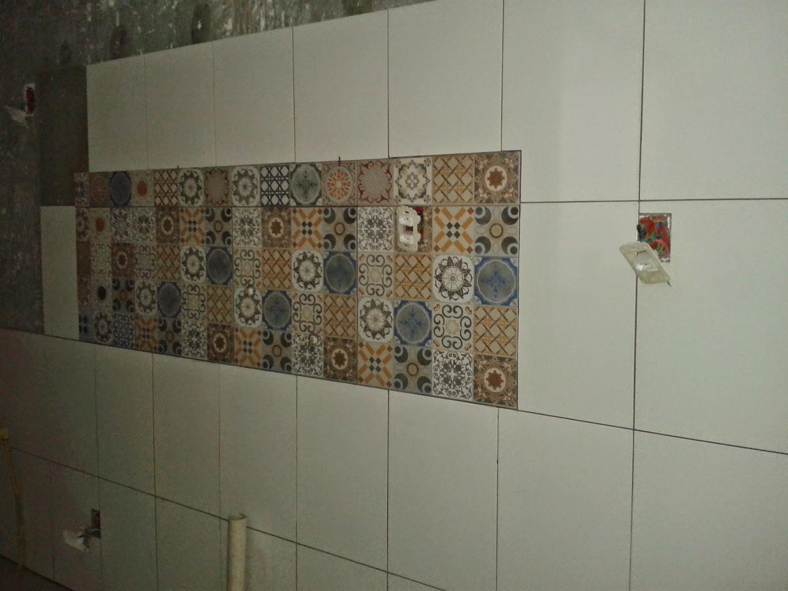 decoracao de interiores gastando pouco: na área molhada na parede  #5E4E38 1600 1200