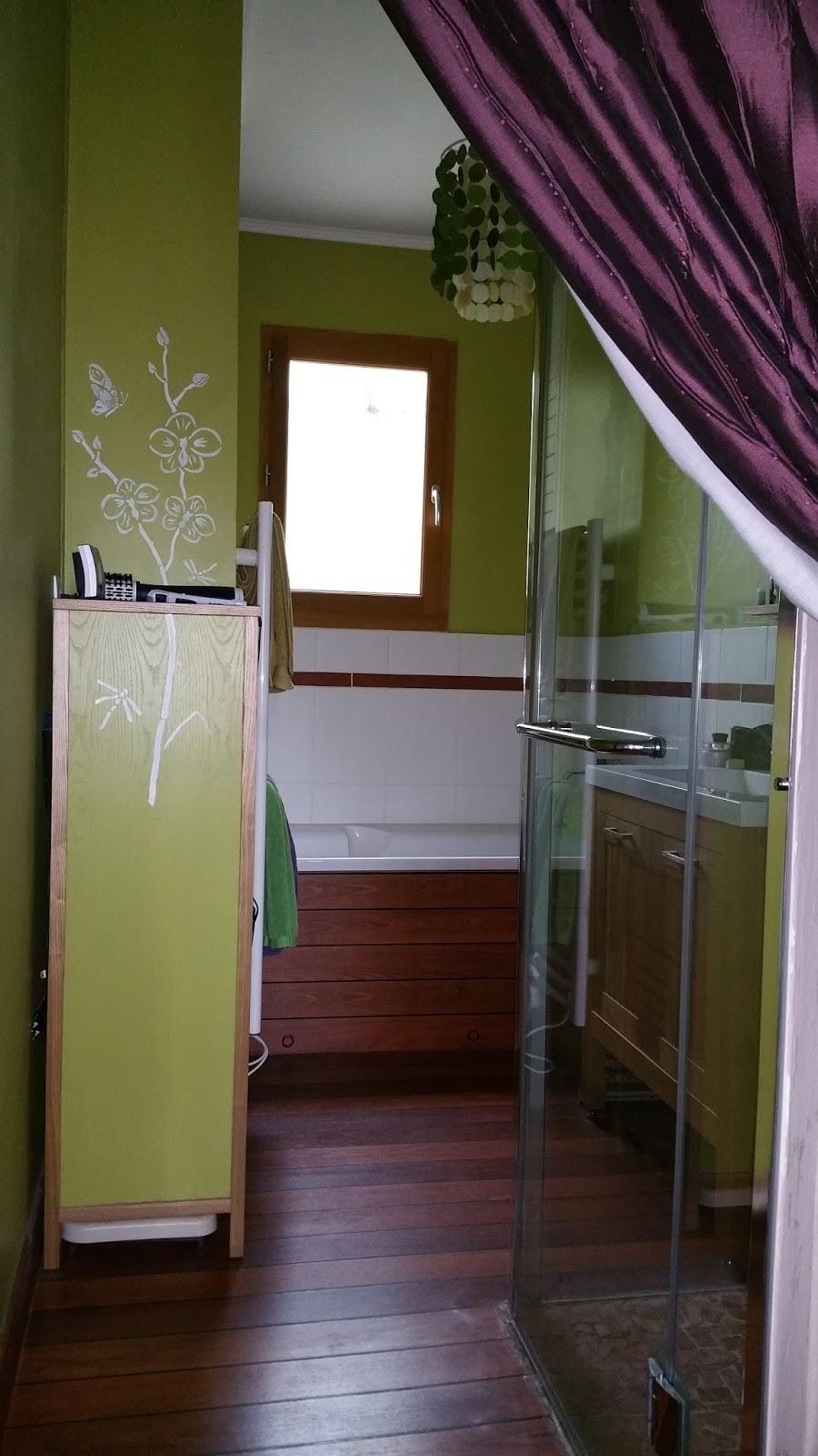 Maison coup de coeur touraine sud: salle de bains avec baignoire ...