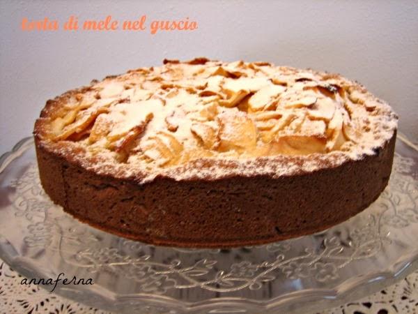 torta di mele nel guscio, una torta ispirata dai ricordi