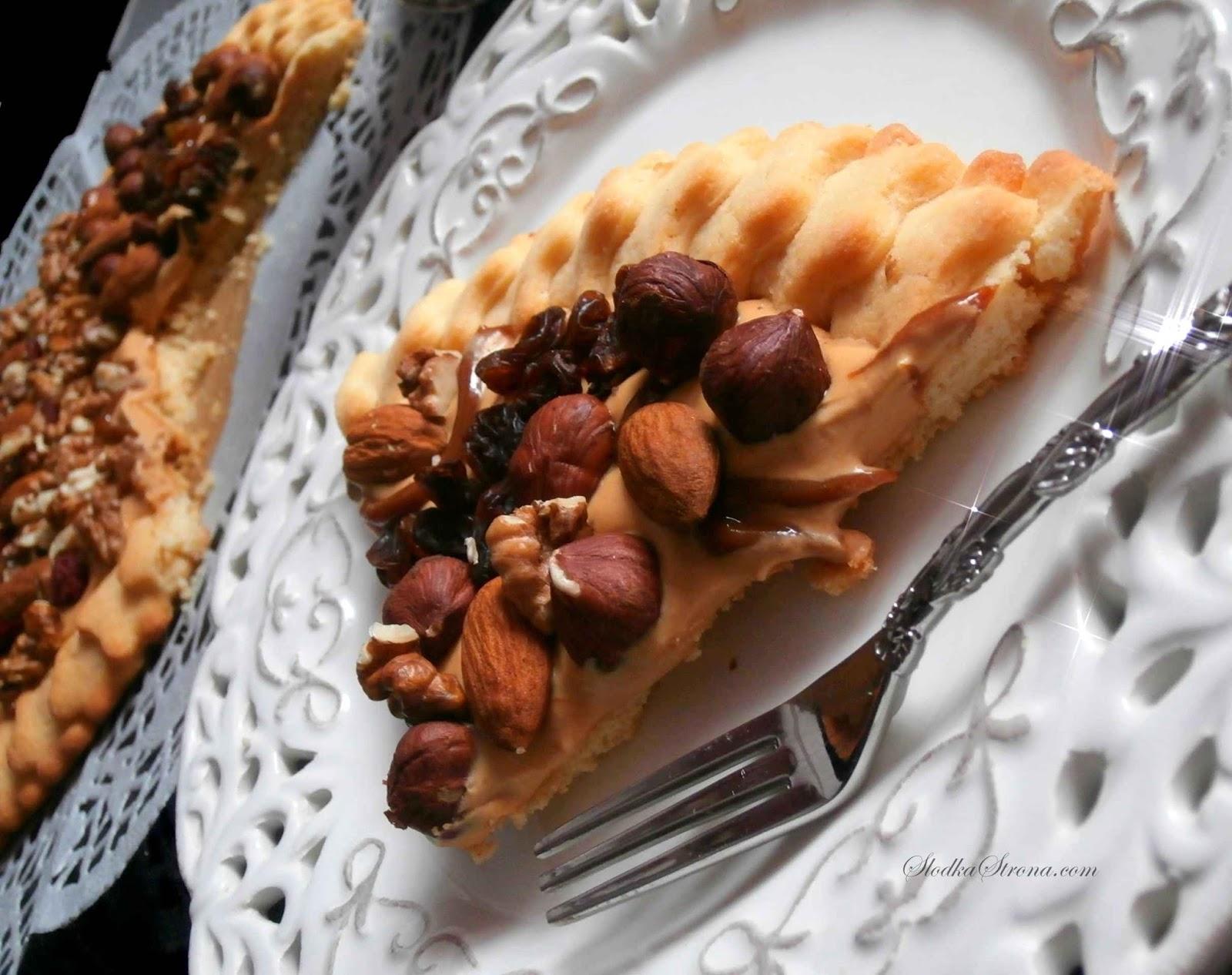 Mazurek z Kajmakiem i Bakaliami - Przepis - Słodka Strona