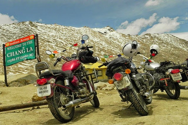 Top Motorable Mountain Passes in the Himalaya