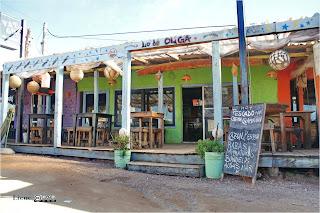 fachada de restaurante en Punta del Diablo, Uruguay