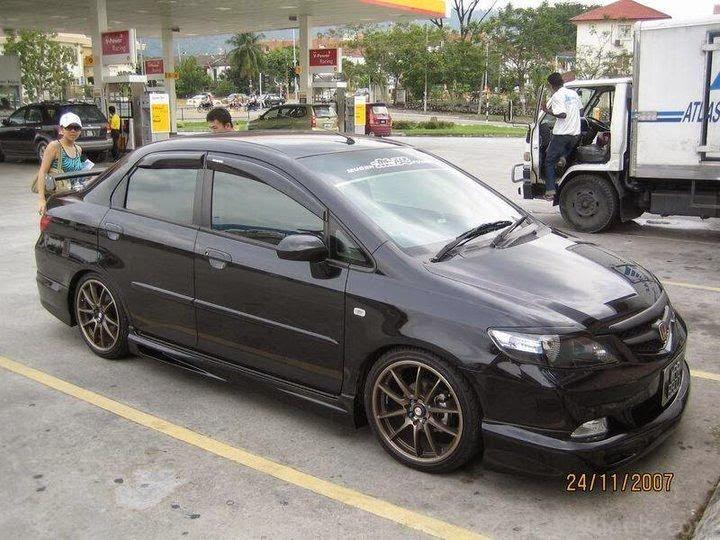 Modifikasi Mobil Honda City Hitam